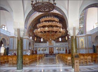 Можно ли СИДЕТЬ НА СЛУЖБЕ в православном храме